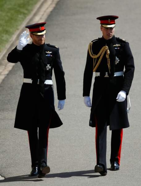 Les princes William et Harry à leur arrivée
