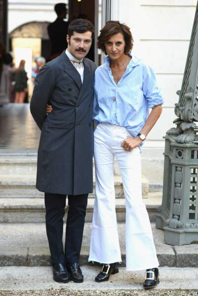 Gherardo Felloni, directeur artistique de la marque, & Ines de la Fressange côte à côte à l'entrée de Roger Vivier