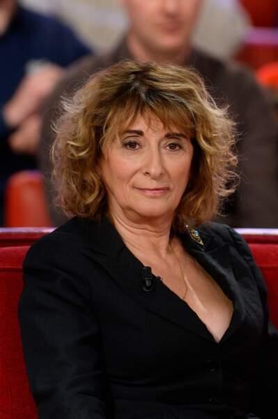 """Josiane Stoléru lors de son passage dans l'émission de France 2 """"Vivement Dimanche"""", diffusée le 18 janvier 2015"""