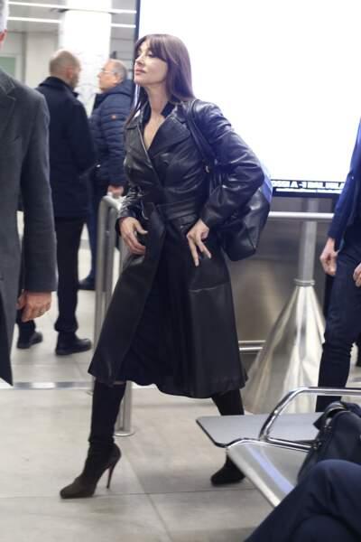 La sublime Monica Bellucci arrive à l'aéroport de Milan, le 19 février 2019.