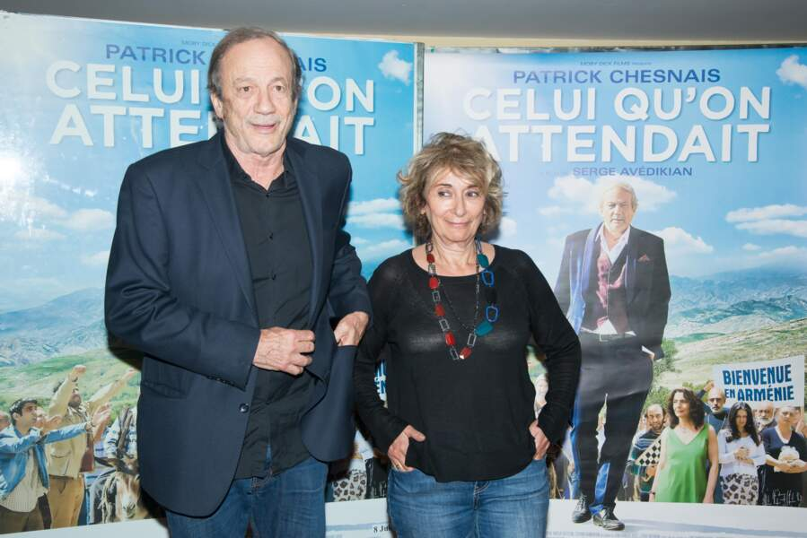 """Josiane Stoléru et son époux assistent à la première du film """"Celui qu'on Attendait Premiere"""" à Paris, en juin 2016"""