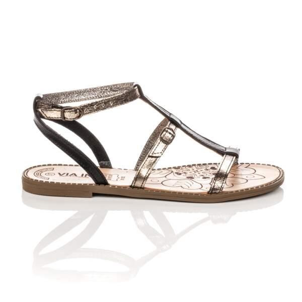 Cuir métallique,  39,90 € soldées 31,92 €, Besson (besson-chaussures.com).