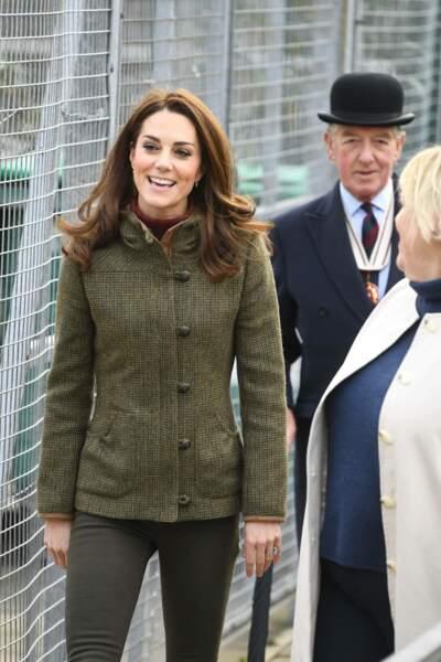 La duchesse a également appris à cuir une pizza dans un four à bois extérieur