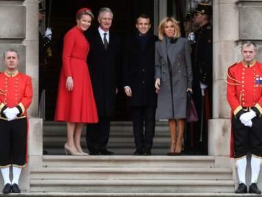 Brigitte Macron, très chic en robe et manteau gris pour un déplacement en Belgique