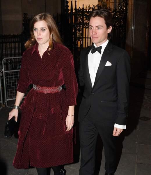 Fils de divorcés, Edoardo Mapelli Mozzi a eu pour beau-père le politicien conservateur anglais Christopher Shale
