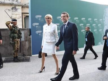 Brigitte Macron tout de blanc vêtue en Louis Vuitton