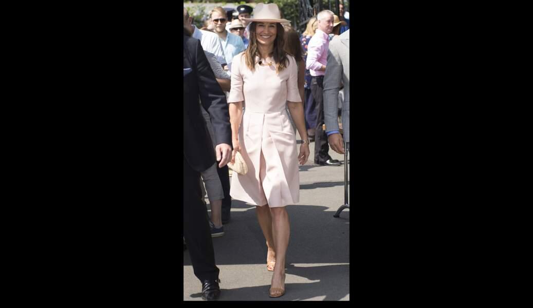 Pippa Middleton a aussi adopté cette couleur lors du tournoi de Wimbledon, le 8 juillet 2019.