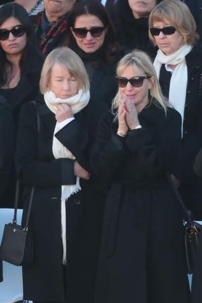 Katia Aznavour, la fille de Charles, très émue aux côtés de sa mère Ulla, lors de l'hommage national