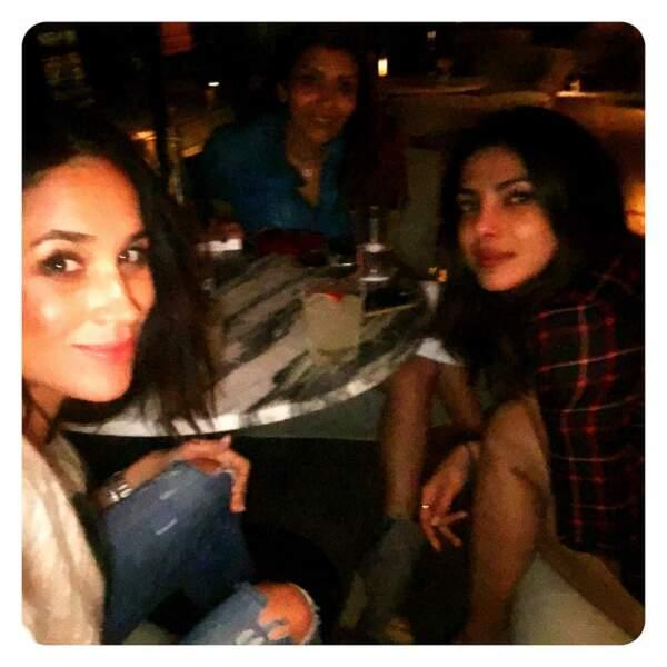 Meghan Markle, Priyanka Chopra et la productrice Mubina Rattonsey à Los Angeles en novembre 2016