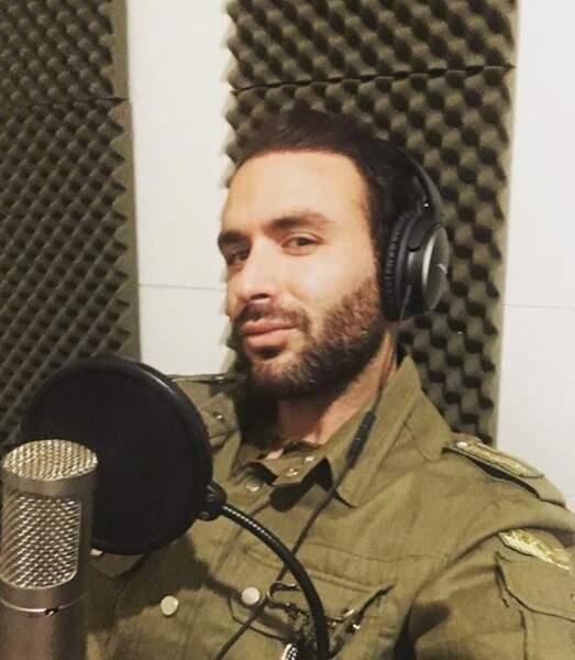Approché plusieurs fois par les équipes de The Voice, il a toujours refusé de participer au télé-crochet