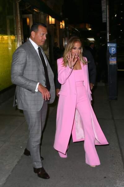 Jennifer Lopez a été aperçue ce 9 septembre à New York aux côtés de son fiancé Alex Rodriguez