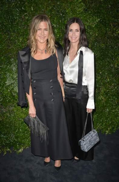 Jennifer Aniston et Courtney Cox au diner caritatif Chanel à Los Angeles le 2 juin 2018