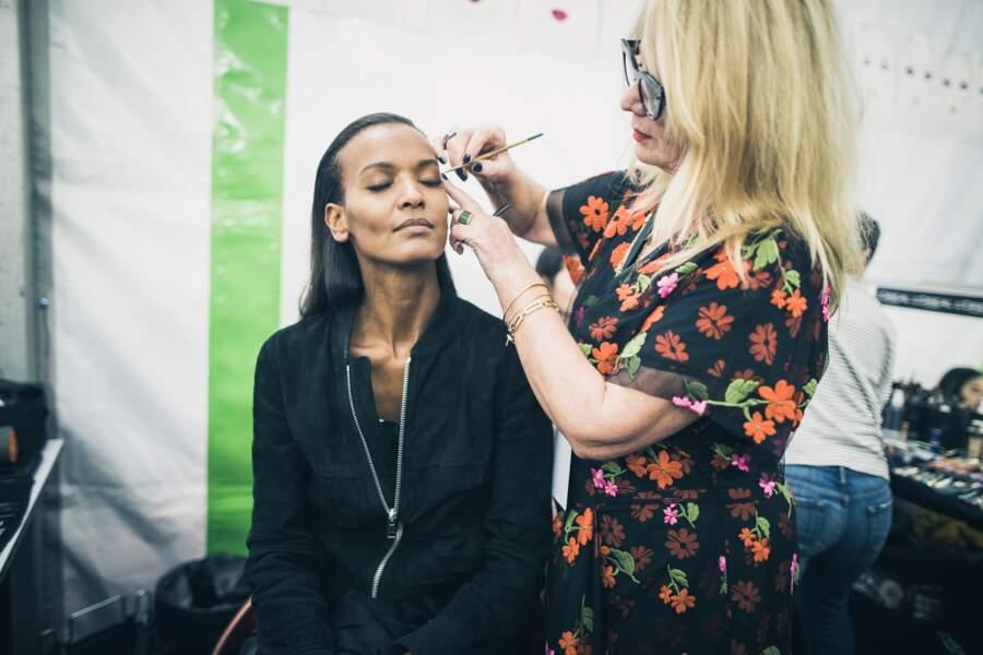 Val Garland, la make-up artist redessine le regard de Liya Kebede