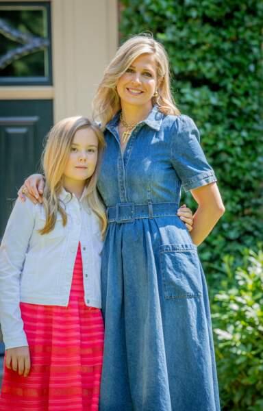 La reine Maxima (en robe en denim CO) et sa fille, la princesse Ariane à Wassenaar, le 13 juillet 2018
