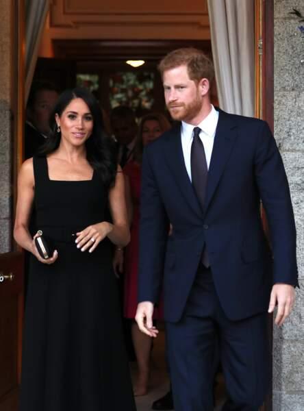 Meghan Markle et le prince Harry, élégants pour une garden party à Dublin