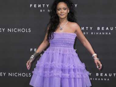 Photos - Rihanna sublime à Londres en robe de princesse et queue-de-cheval haute