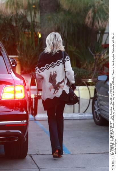 Laeticia Hallyday aperçue lors d'une séance shopping au Design District de West Hollywood, le 26 janvier 2018