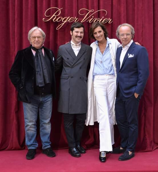 Diego Della Valle, Gherardo Felloni, Ines de la Fressange et Andrea Della Valle posent au photocall Roger Vivier.