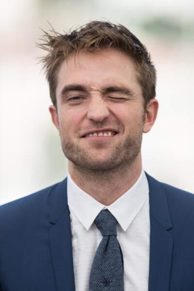 """Robert Pattinson au photocall de """"Good Time"""", le 25 mai 2017 à Cannes"""