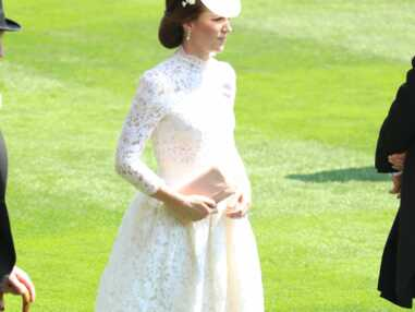 PHOTOS – Kate Middleton ose la robe blanche transparente