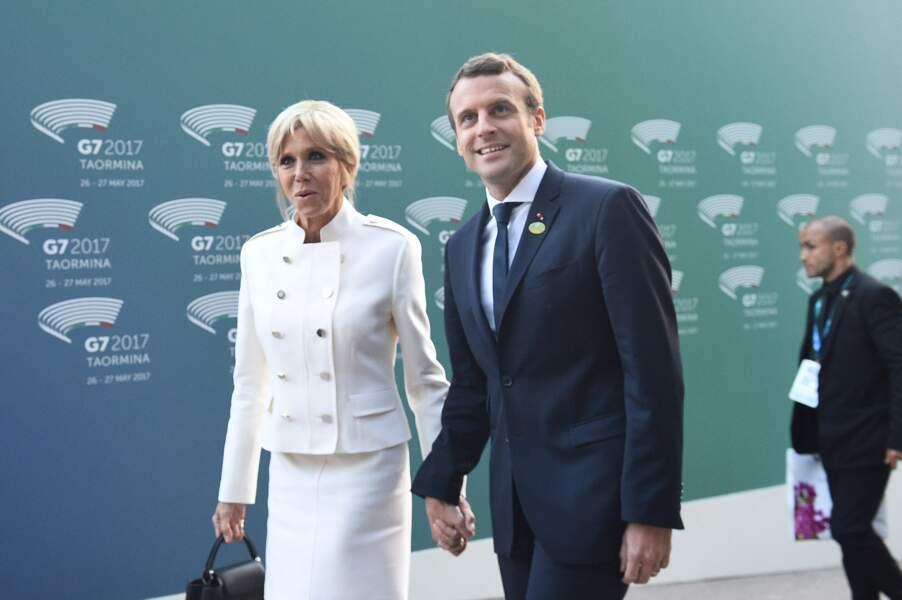 Le couple Macron fait sensation à Taormine en Sicile : Brigitte Macron élégante en tailleur crème