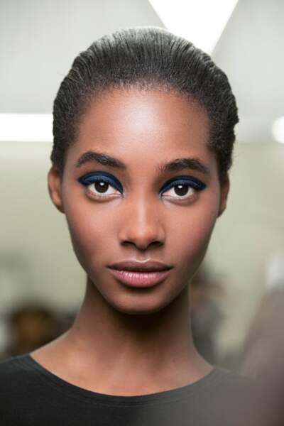 Le smoky bleu superstar chez Chanel