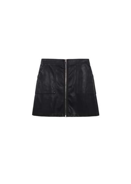 Zippée, jupe en simili cuir à zip, 55 € (Frnch).