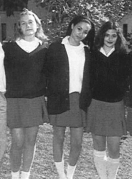 Meghan Markle au centre de la photo, du haut de ses 18 ans