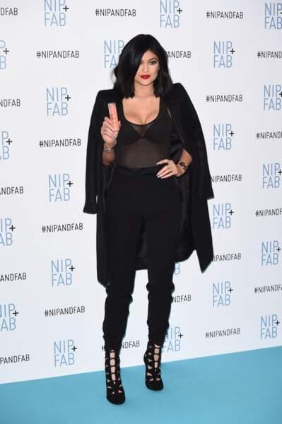 Kylie Jenner à une soirée de la marque de botox Nip And Fab