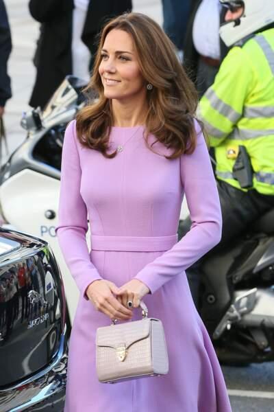 Kate Middleton n'a pas coupé ses cheveux mais leur offre une nouvelle couleur