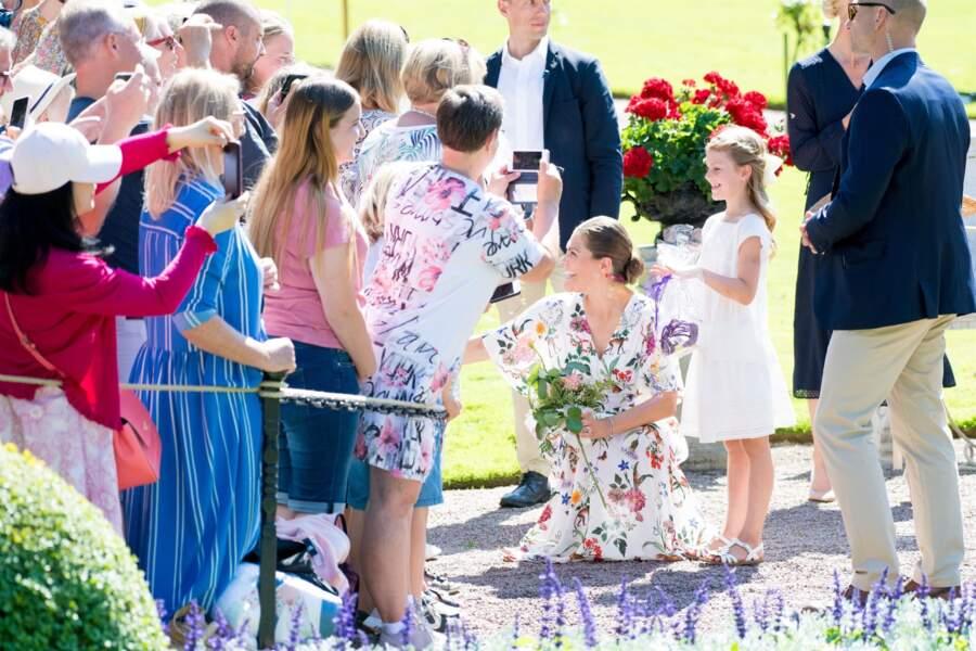 Bain de foule pour la famille princière