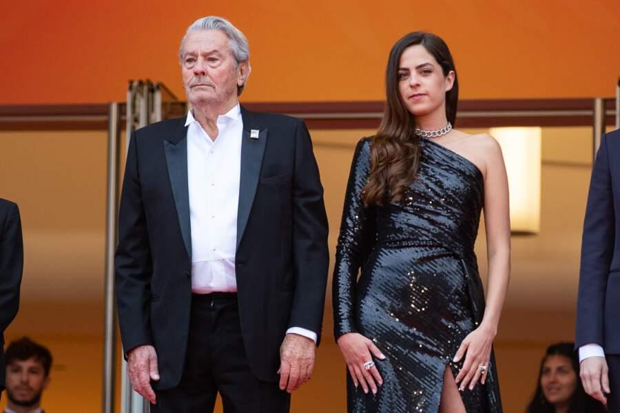 Alain Delon et Anouchka Delon inséparables lors de la montée des marches du Festival de Cannes, le 19 mai 2019
