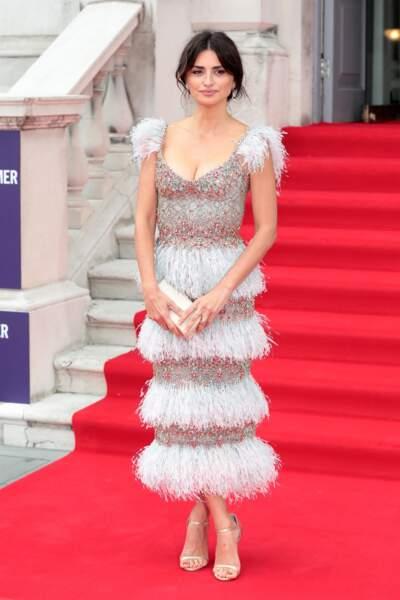 """Penelope Cruz s'est rendue à l'avant-première du film """"Douleur et gloire"""" à Londres ce jeudi 8 août"""
