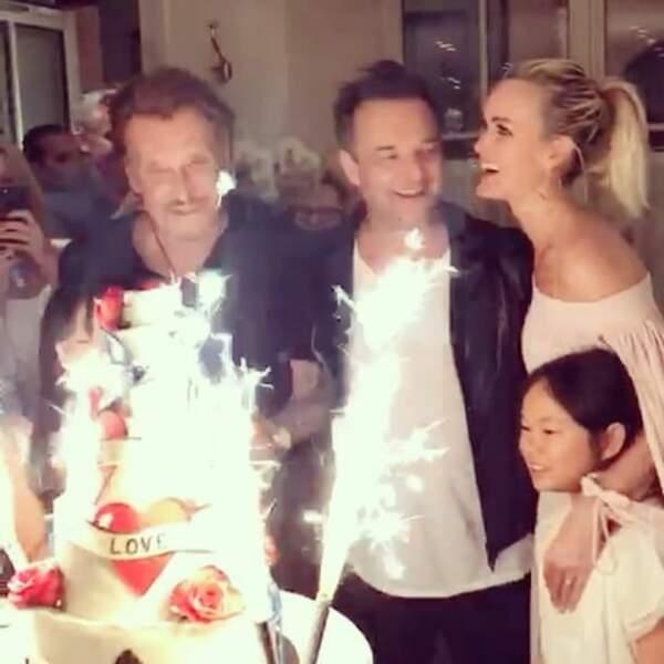 David, Laeticia et Joy Hallyday, réunis pour l'anniversaire de Johnny au Clover Grill à Paris en juin 2017