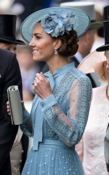 Kate Middleton sublime dans une robe Elie Saab transparente