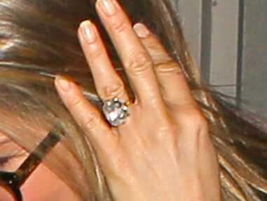 PHOTOS – Jennifer Aniston : va-t-elle revendre sa bague de fiançailles ?