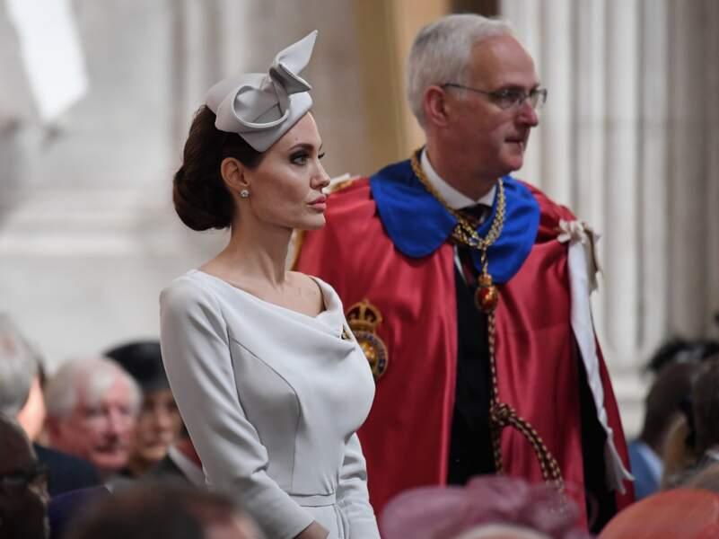 Angelina Jolie très sobre et chic à Londres