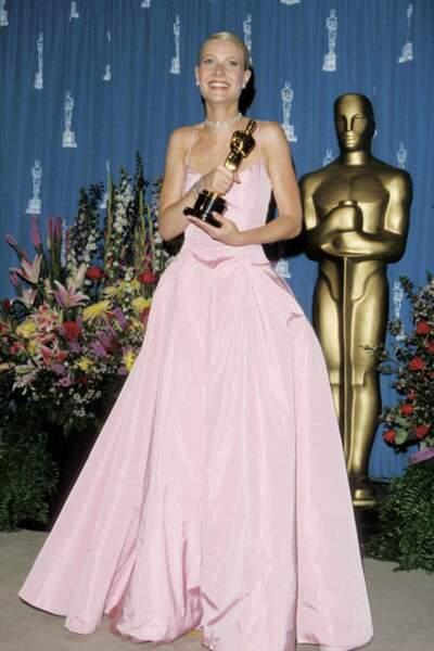 Gwyneth Paltrow, ravissante en Ralph Lauren, en 1999