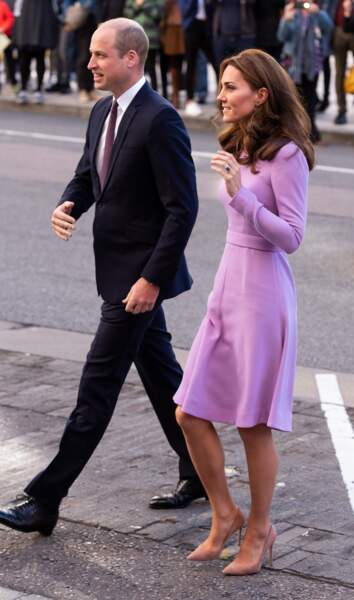 Kate Middleton en escarpins Gianvito Rossi, avec William à Londres, le 9 octobre 2018