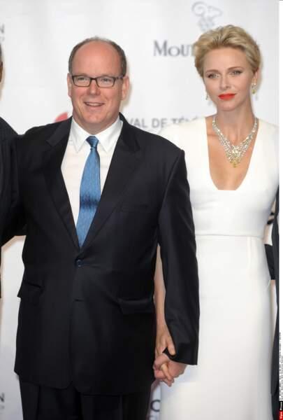 Albert et Charlène de Monaco prennent la pose sur le red carpet du festival Tv de Monte Carlo