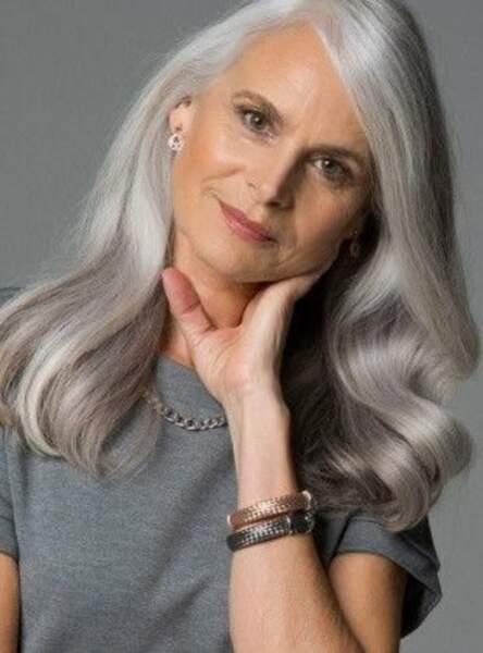 Un blanc gris ultra brillant