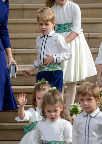 Le prince George de Cambridge, sur les marches de la chapelle St George à Windsor, le 12 octobre 2018