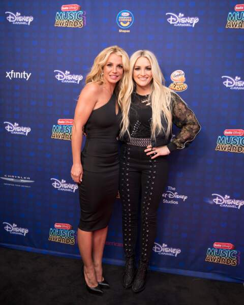 Britney Spears et sa soeur Jamie Lynn Spears au Radio Disney Music Awards, à Los Angeles, le 29 avril 2017.