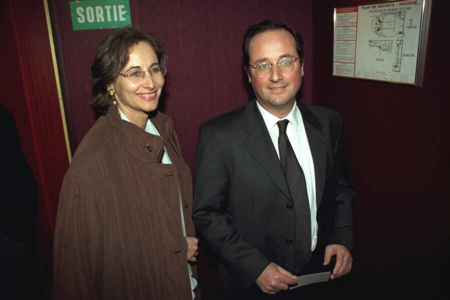 """Ségolène Royal et François Hollande à l'avant-première de la pièce """"Un Tramway Nommé Désir"""", le 25 Janvier 1999"""