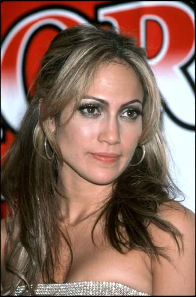 Jennifer Lopez force toujours sur le maquillage