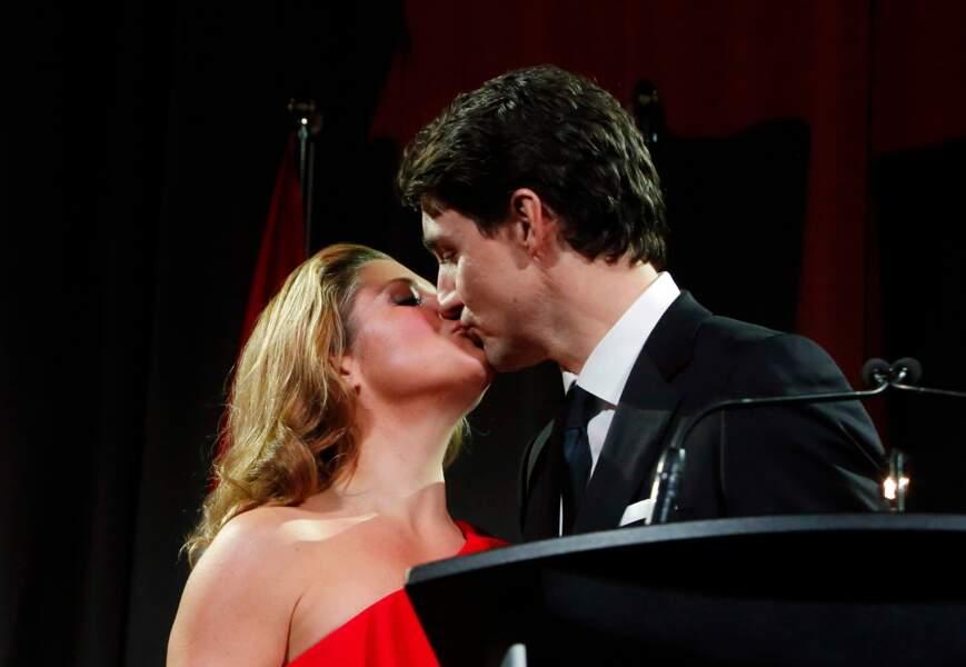 Justin Trudeau embrasse tendrement Sophie Gregoire