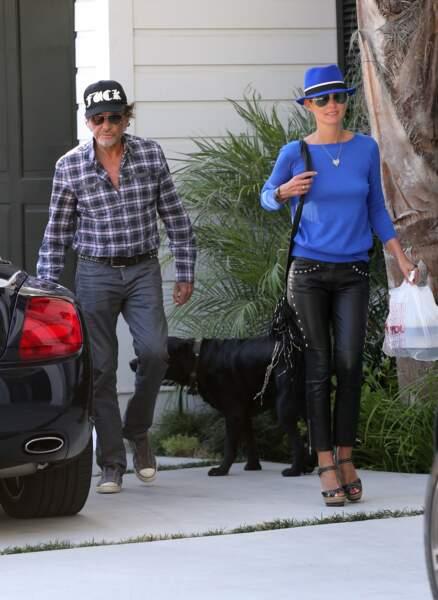 Johnny et Laeticia Hallyday devant leur villa de Pacific Palisades, le 7 septembre 2012