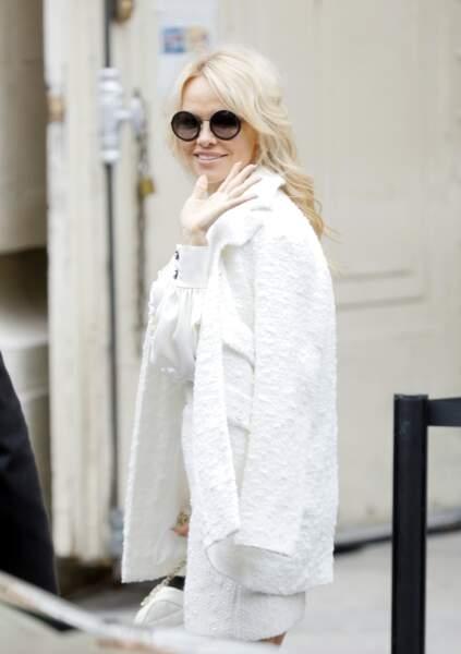 Pamela Anderson radieuse chez Chanel