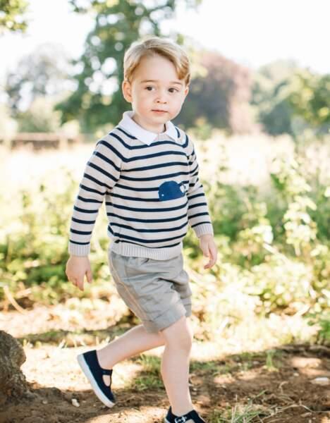 Le prince George photographié à Norfolk pour son troisième anniversaire