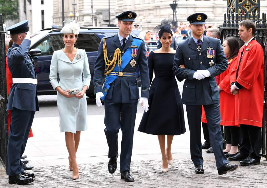 Centenaire de la Royal Air Force : Kate Middleton, William, Meghan, Harry et Theresa May
